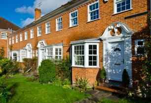 Watford Estate Agents, listing property for sale in Watford, Northwood HA6, Moor Park,