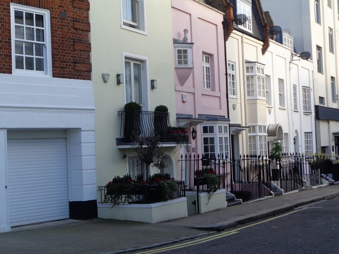 property finders Kensington, property finding services Knightsbridge, home finders London,